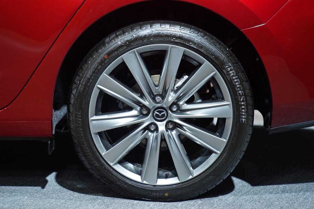 Mazda6 vua ra mat Viet Nam anh 6