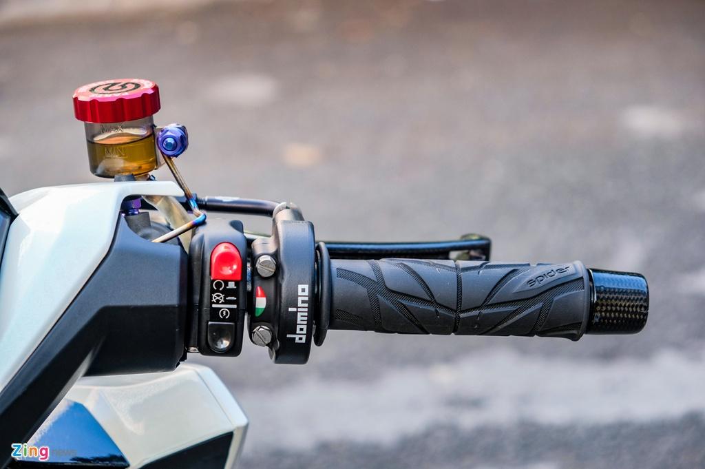 Biker Dong Thap chi hon 100 trieu do Honda Vario anh 5