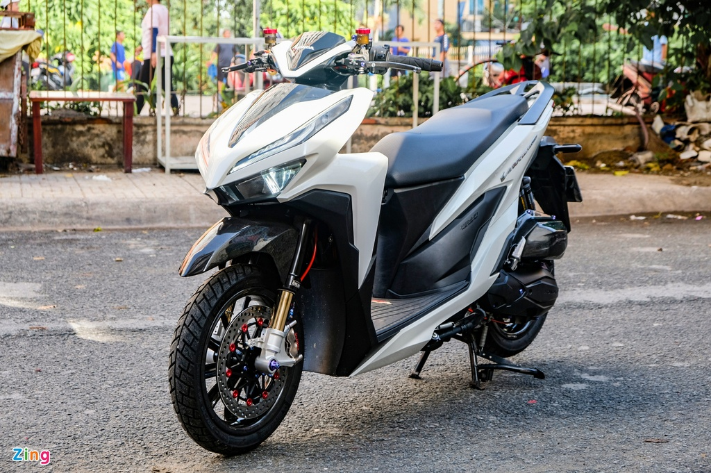 Biker Dong Thap chi hon 100 trieu do Honda Vario anh 1