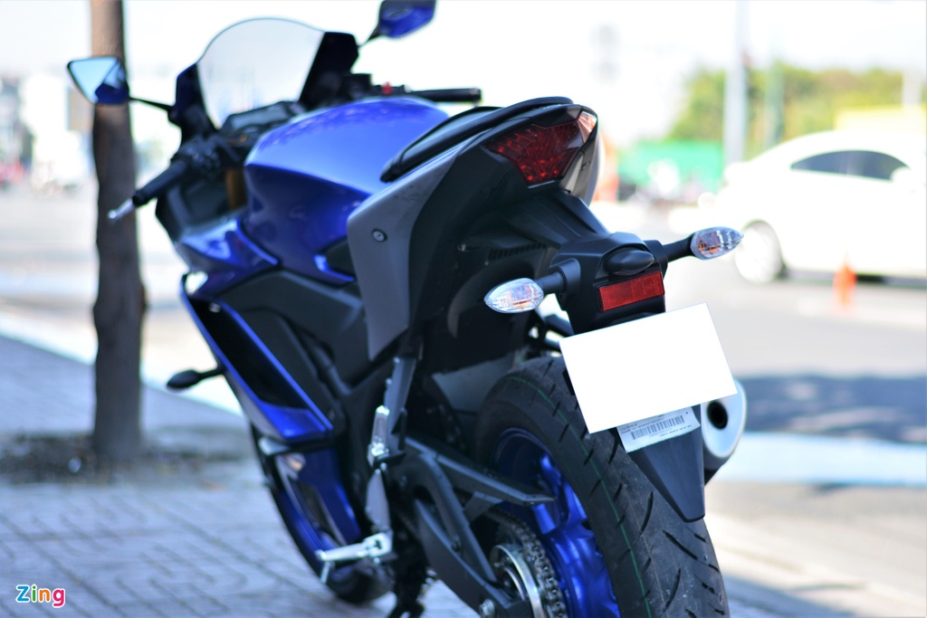 CFMoto 300SR dau Yamaha R3 anh 6