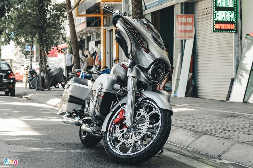 Harley-Davidson Street Glide lot xac anh 8