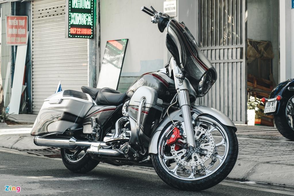 Harley-Davidson Street Glide lot xac anh 1