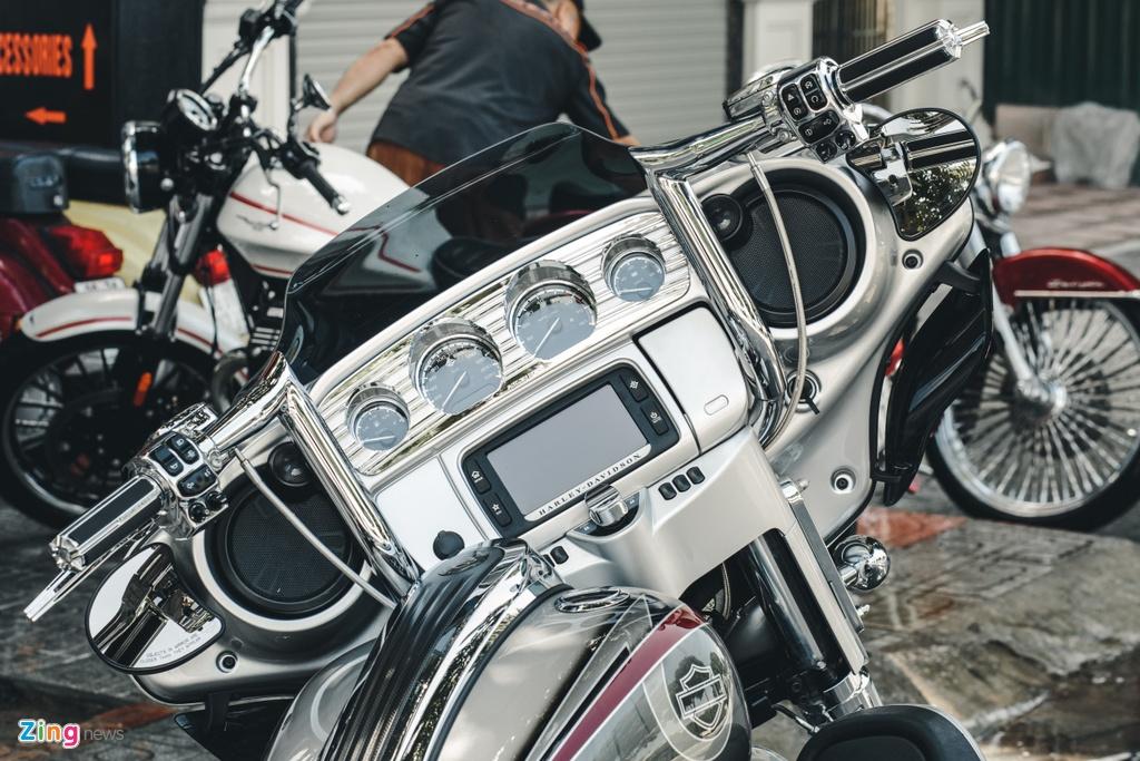 Harley-Davidson Street Glide lot xac anh 4