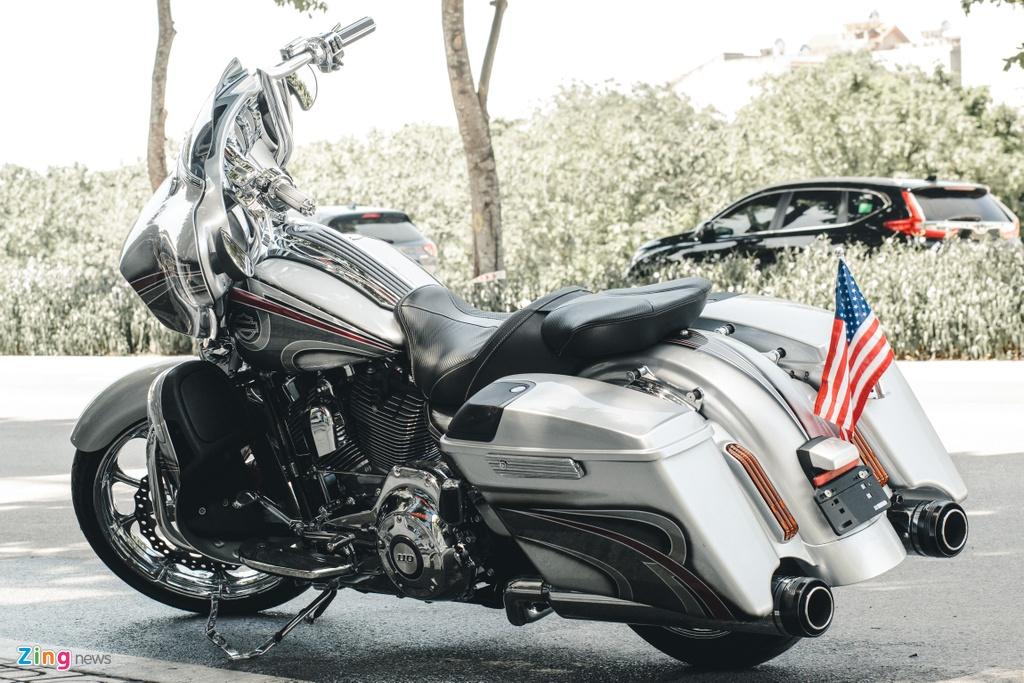 Harley-Davidson Street Glide lot xac anh 2
