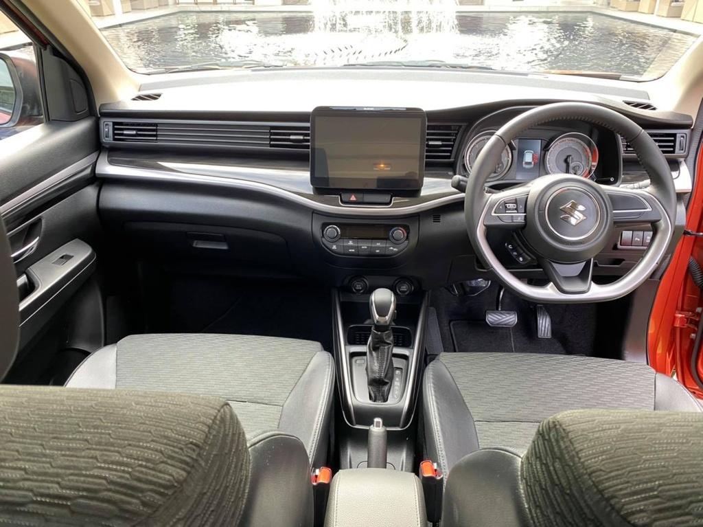 Suzuki XL7 ra mat tai Thai Lan anh 8