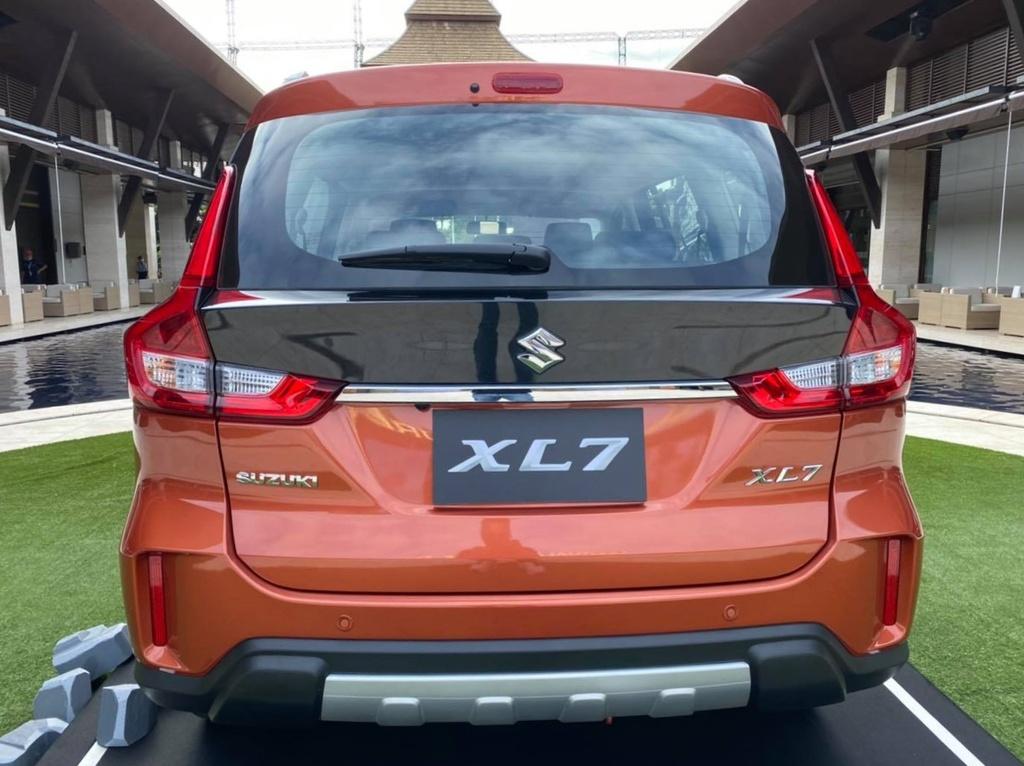 Suzuki XL7 ra mat tai Thai Lan anh 6