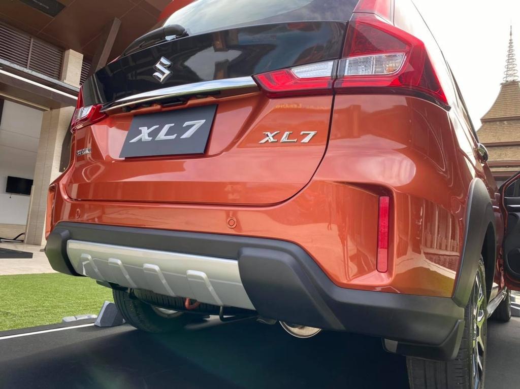 Suzuki XL7 ra mat tai Thai Lan anh 2
