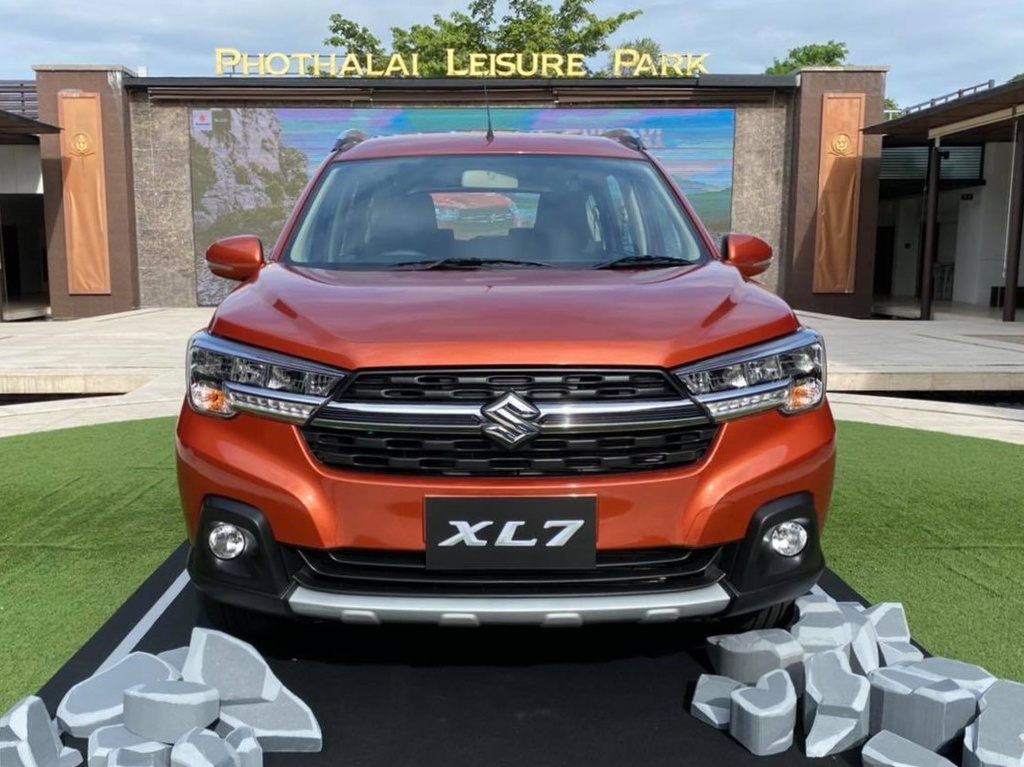 Suzuki XL7 ra mat tai Thai Lan anh 3