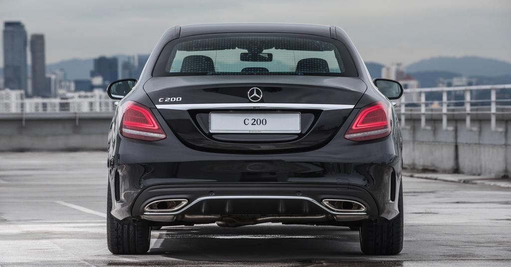 Mercedes-Benz ra mat C 200 AMG anh 9