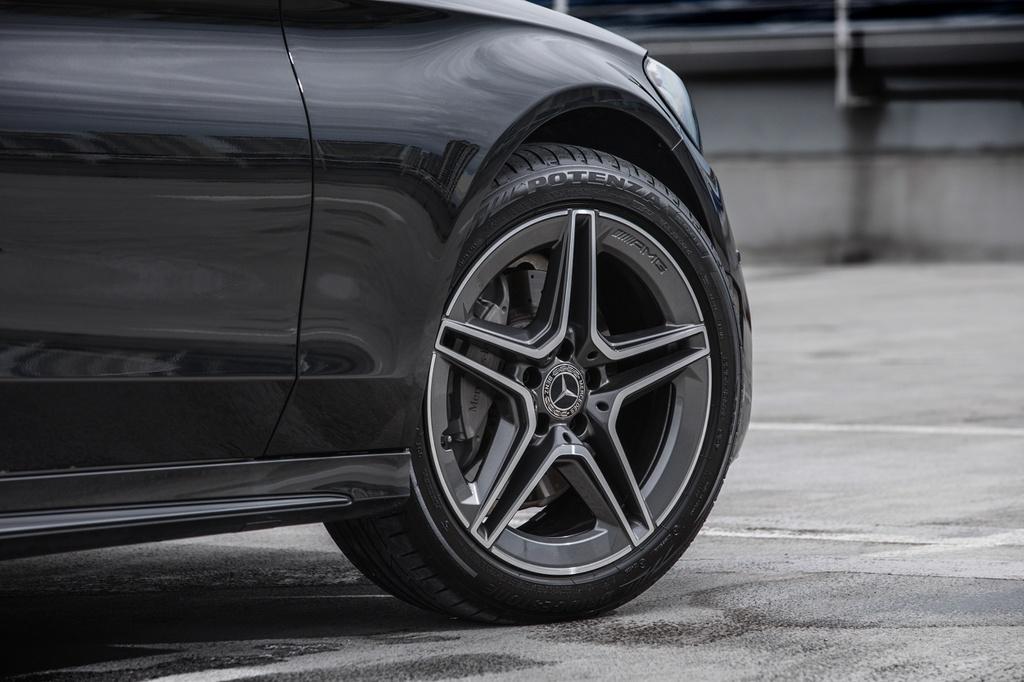 Mercedes-Benz ra mat C 200 AMG anh 4