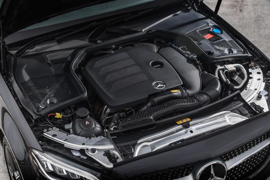 Mercedes-Benz ra mat C 200 AMG anh 2