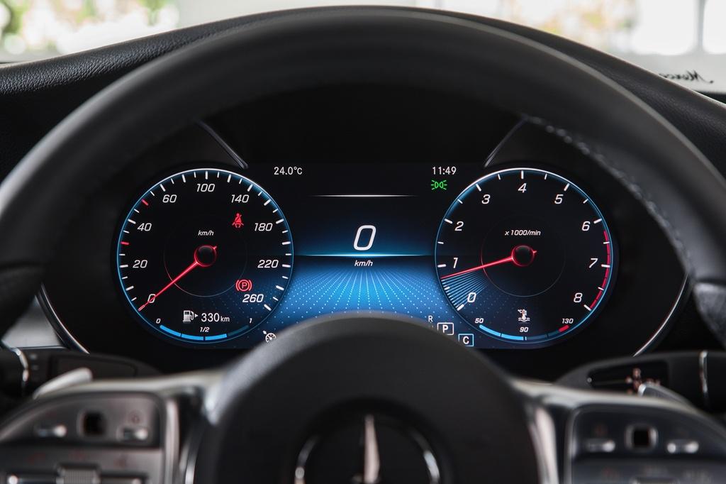 Mercedes-Benz ra mat C 200 AMG anh 7