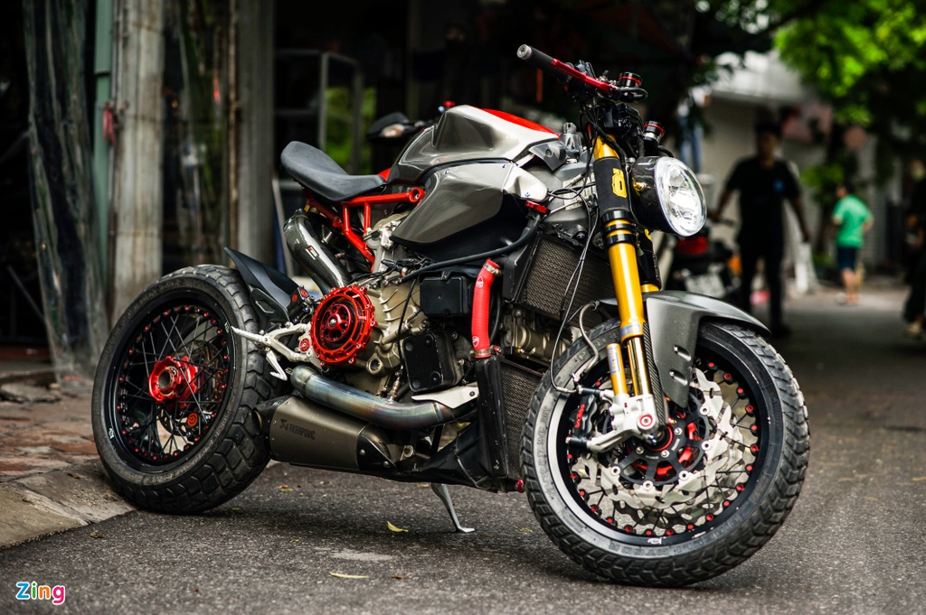 Ducati 1199 Panigale S do cafe racer anh 2