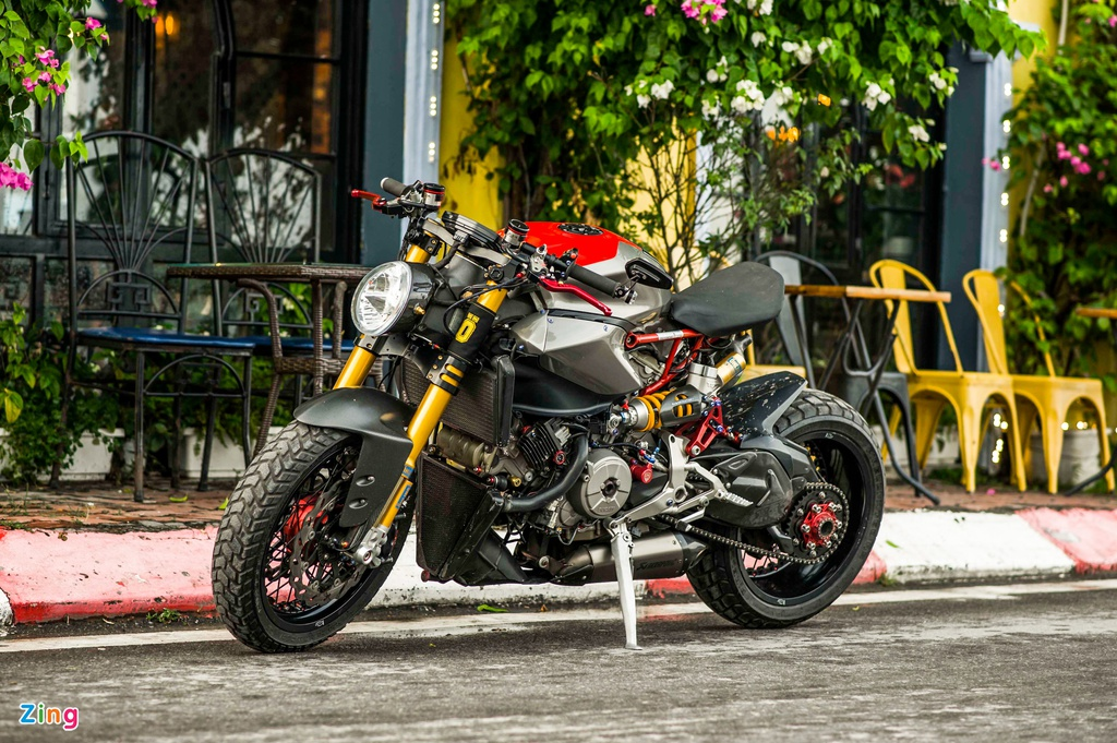 Ducati 1199 Panigale S do cafe racer anh 1