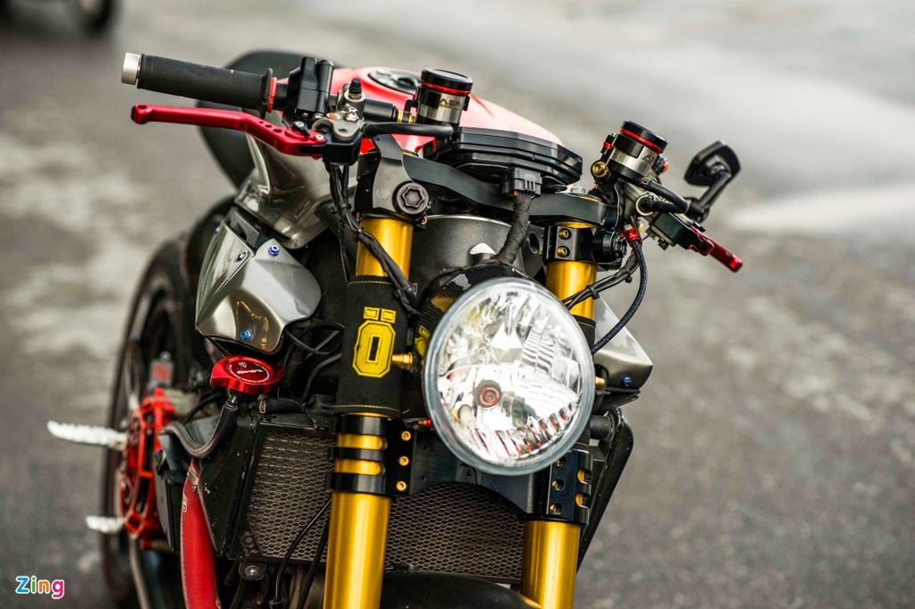Ducati 1199 Panigale S do cafe racer anh 12