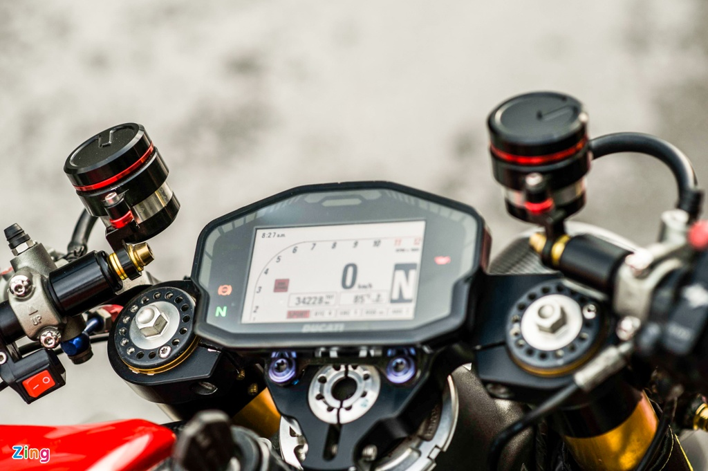 Ducati 1199 Panigale S do cafe racer anh 8