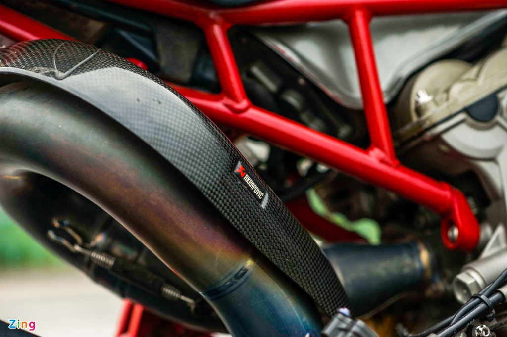 Ducati 1199 Panigale S do cafe racer anh 5