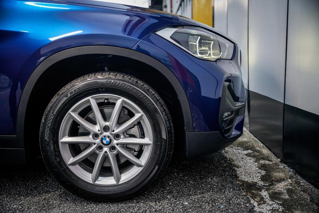 BMW X1 sDrive18i 2020 ra mat Malaysia anh 9