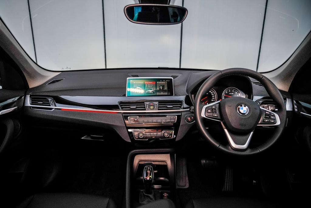BMW X1 sDrive18i 2020 ra mat Malaysia anh 5