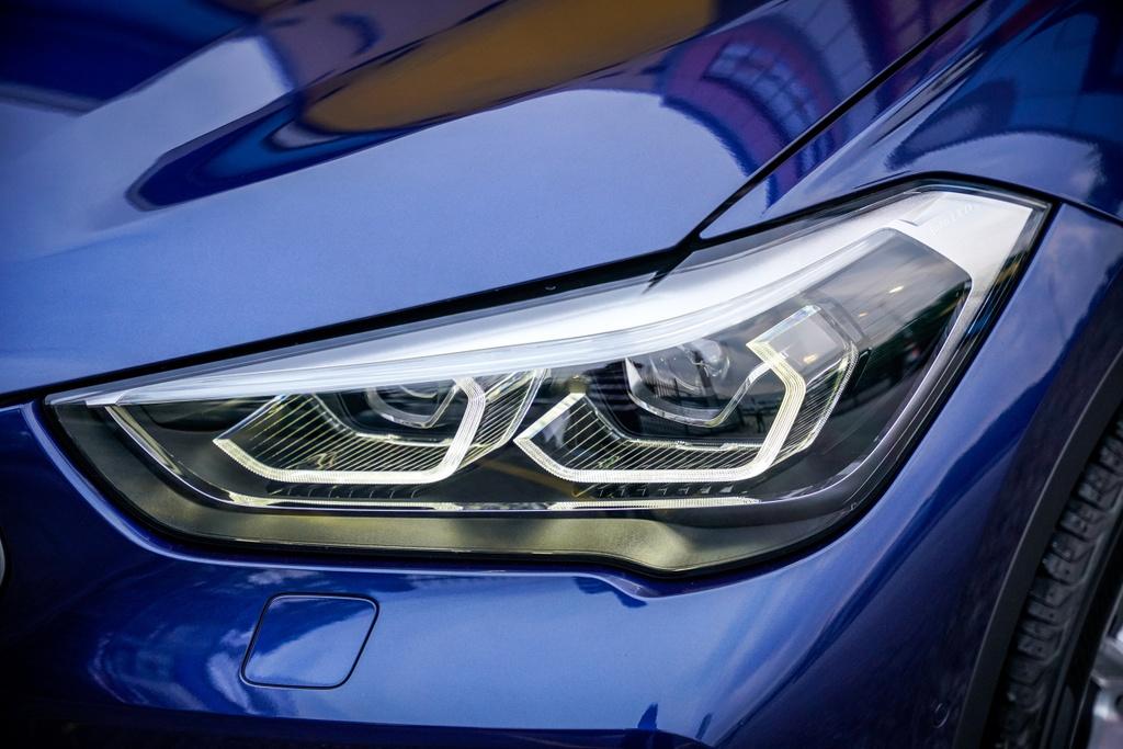 BMW X1 sDrive18i 2020 ra mat Malaysia anh 12