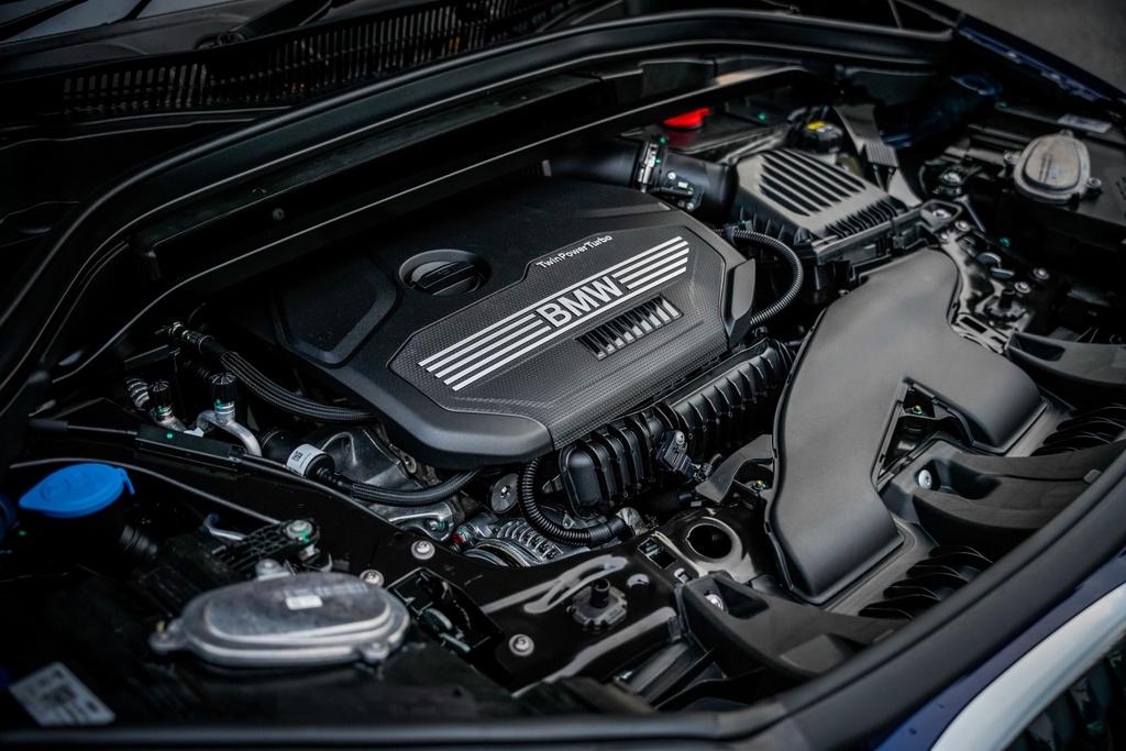 BMW X1 sDrive18i 2020 ra mat Malaysia anh 7
