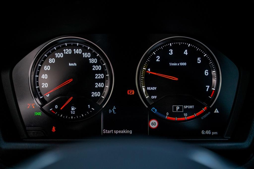 BMW X1 sDrive18i 2020 ra mat Malaysia anh 11