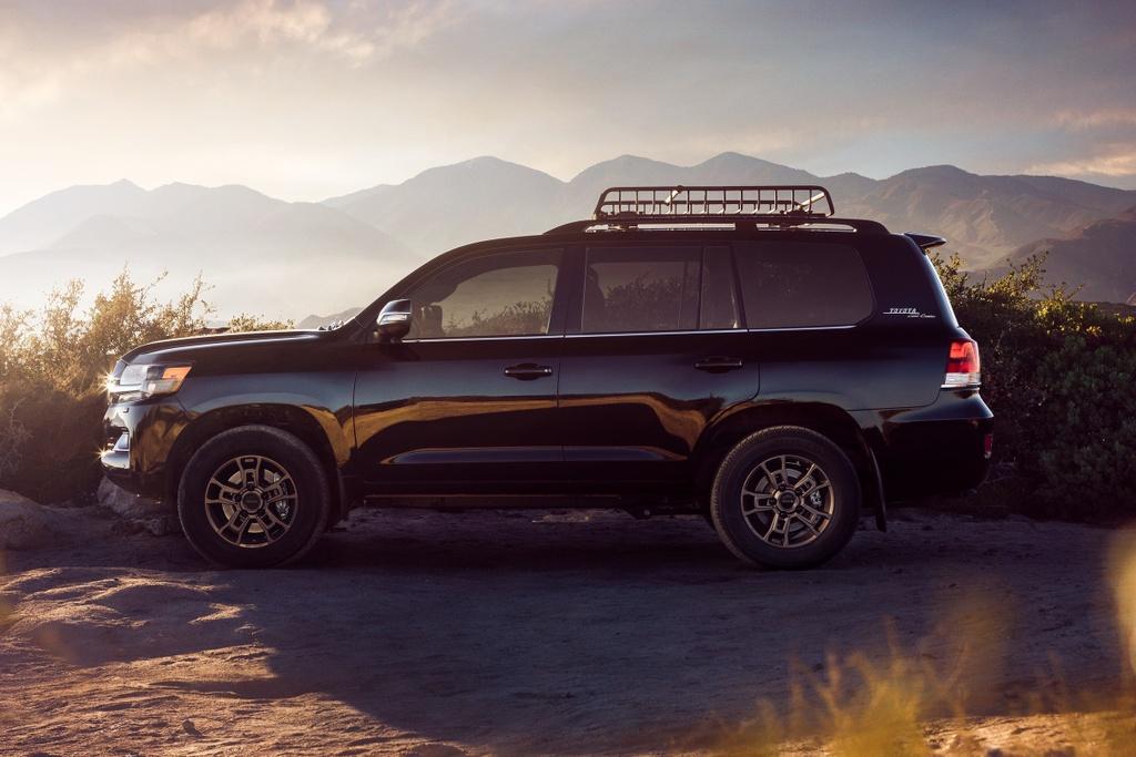 Toyota Land Cruiser Heritage Edition 2021 ra mat anh 9