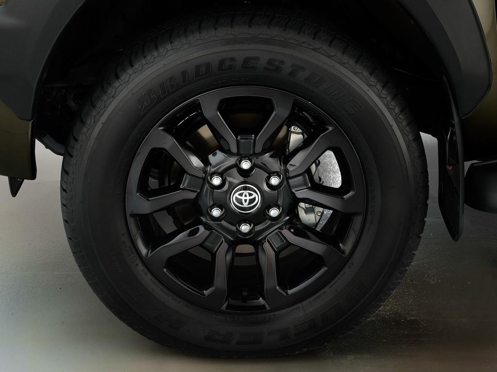 Toyota Hilux 2020 sap ra mat Malaysia anh 9