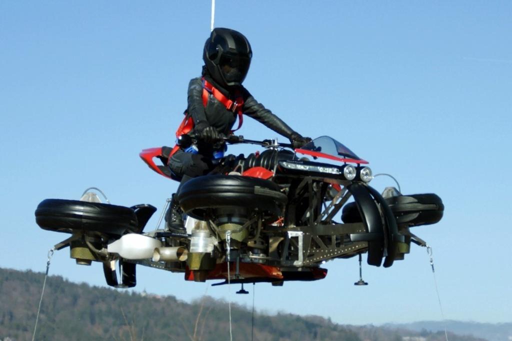 Moto bay Lazareth LMV 496 ra mat anh 9