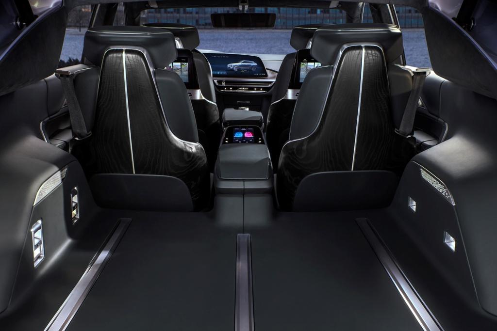 Cadillac ra mat SUV dien anh 9