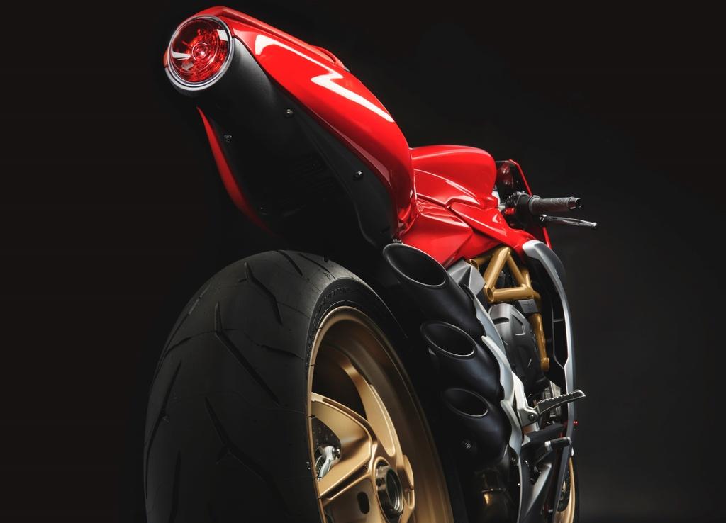 MV Agusta Superveloce 800 ra mat chau Au anh 4