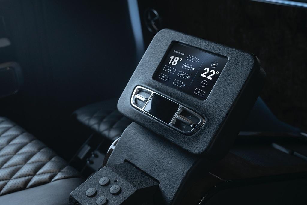 Mercedes-AMG G 63 VIP Limo ra mat anh 9