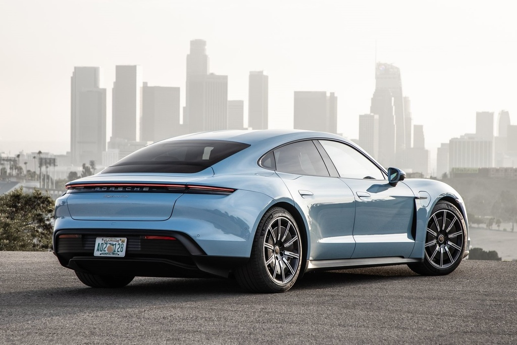 Porsche Taycan 2021 bo sung nhieu cong nghe anh 13