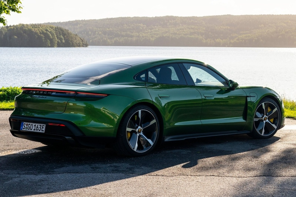 Porsche Taycan 2021 bo sung nhieu cong nghe anh 7