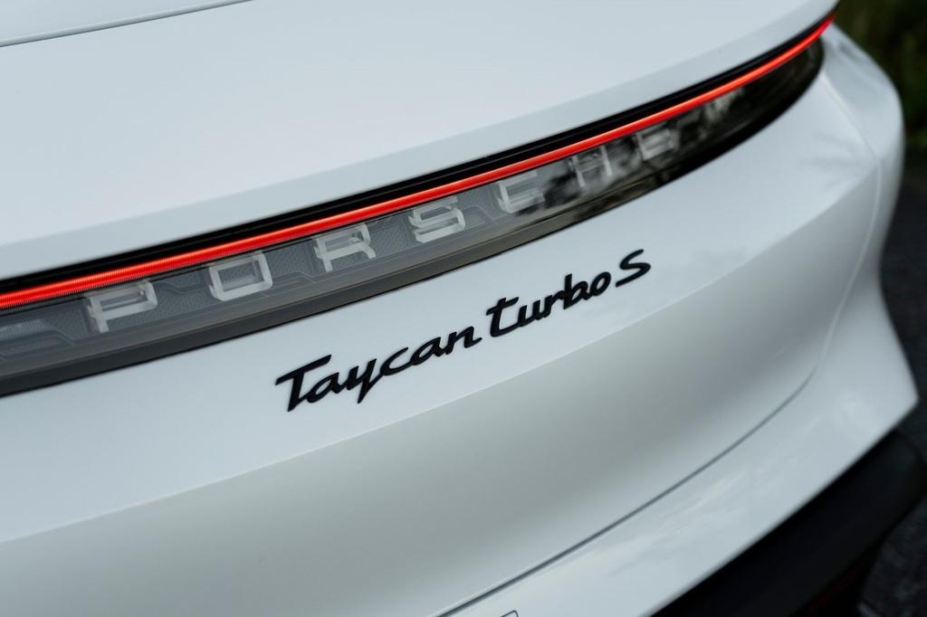 Porsche Taycan 2021 bo sung nhieu cong nghe anh 9