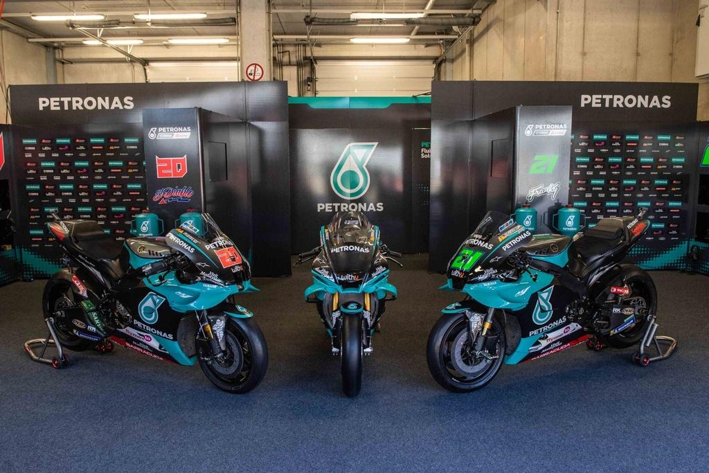 Ban sao xe dua MotoGP ra mat anh 2