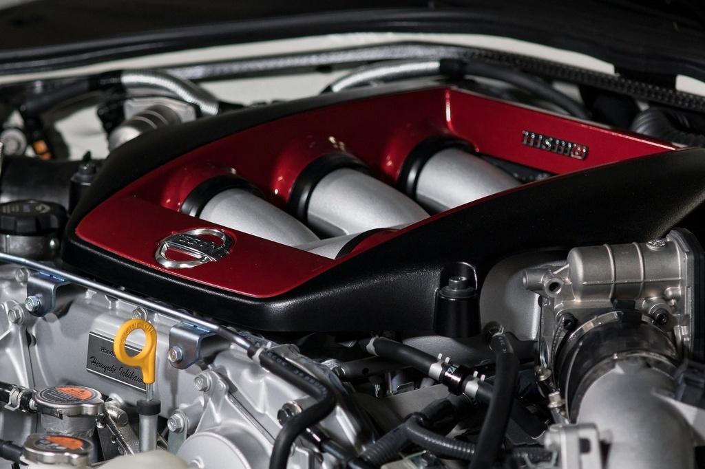 Nissan GT-R 2021 co gia tu 113.500 USD anh 3