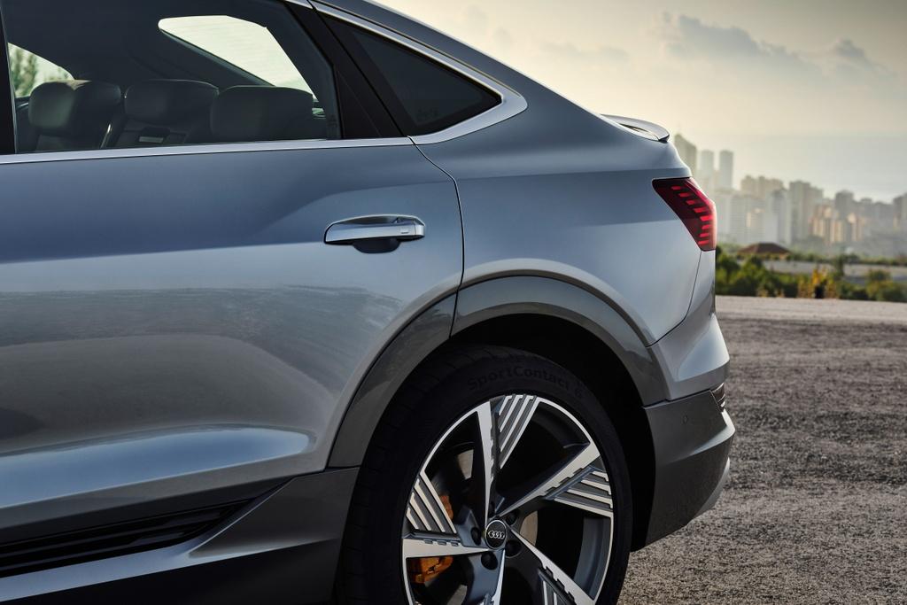 Audi e-tron Sportback  ra mat Anh anh 11