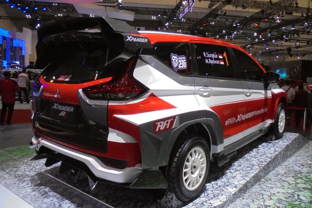 Mitsubishi Xpander phien ban xe dua dia hinh anh 4
