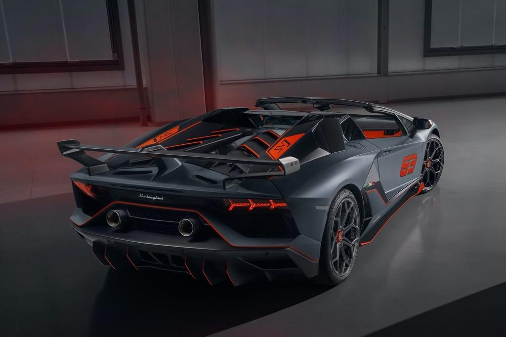 Lamborghini Aventador cham moc 10.000 xe duoc san xuat anh 8