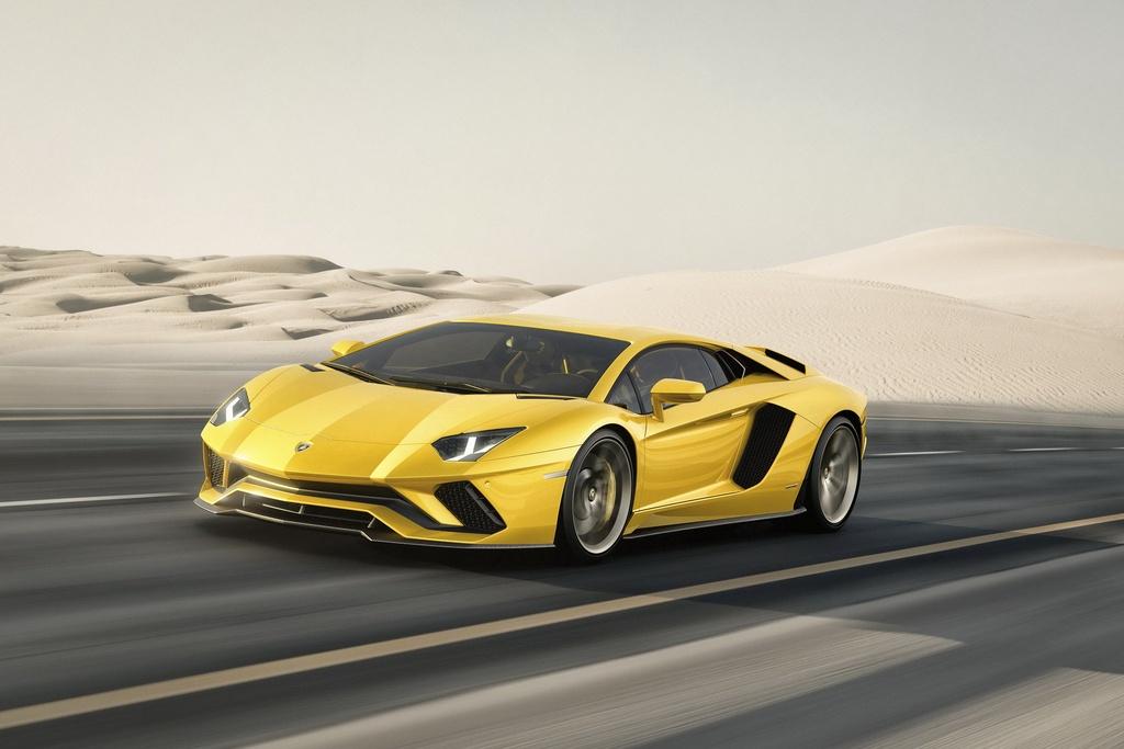 Lamborghini Aventador cham moc 10.000 xe duoc san xuat anh 1