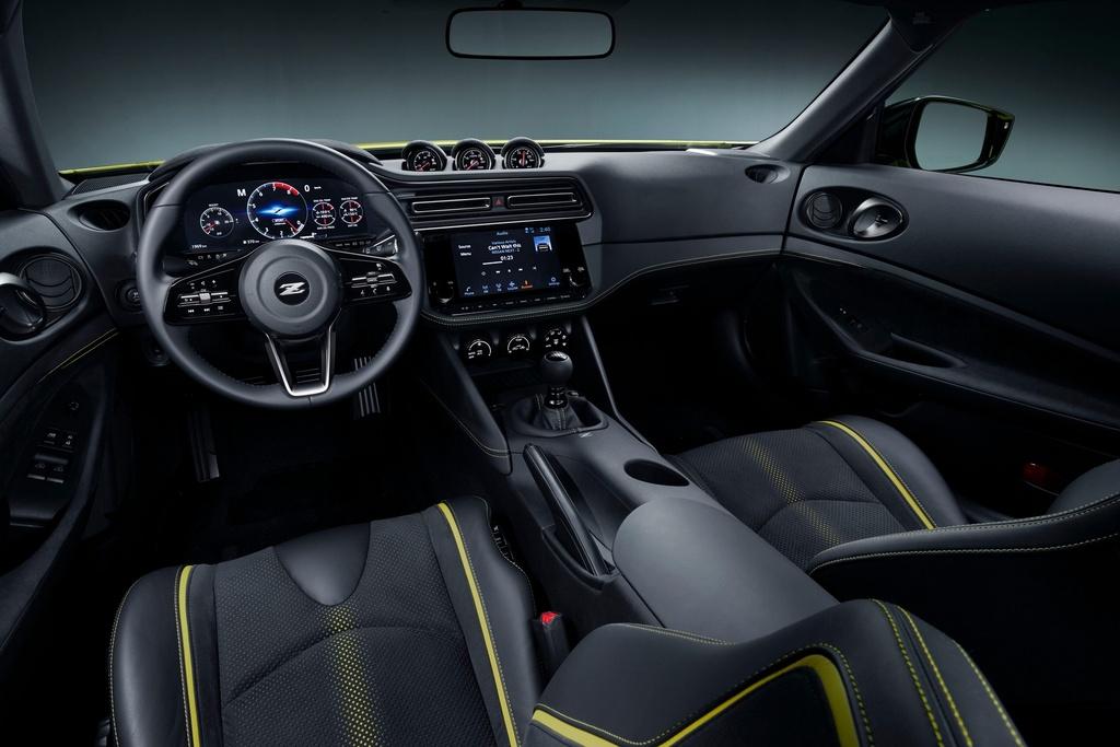Nissan gioi thieu Z-car the he moi anh 9