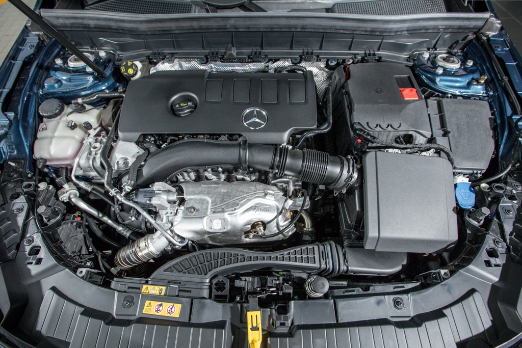 Mercedes-Benz GLB ra mat Malaysia anh 9