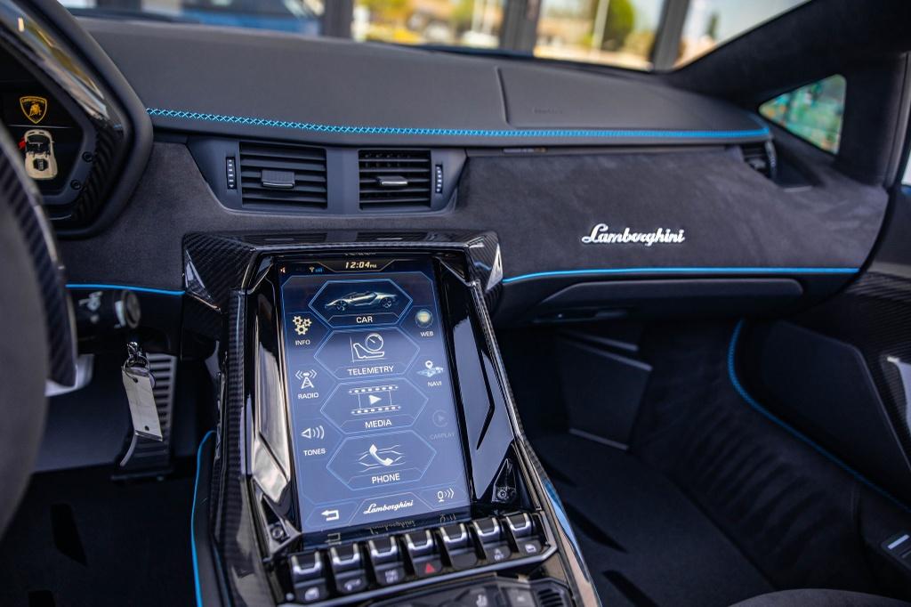 Lamborghini Centenario Roadster mau doc duoc rao ban anh 13