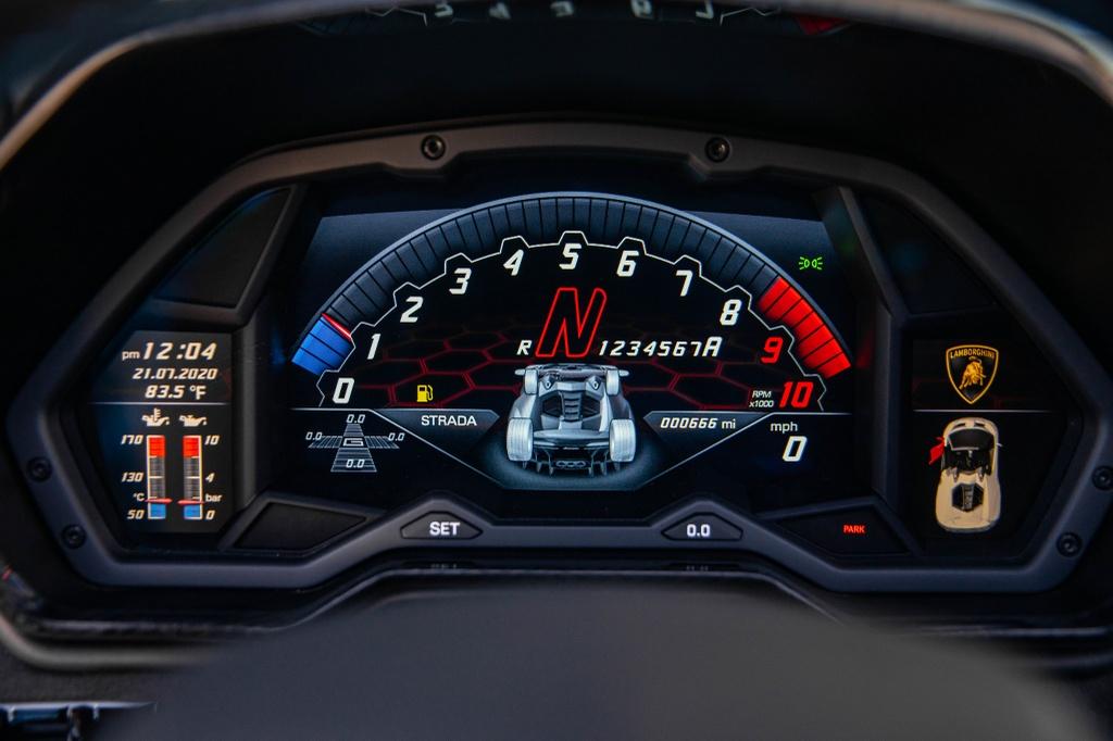 Lamborghini Centenario Roadster mau doc duoc rao ban anh 11
