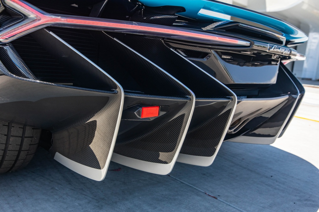 Lamborghini Centenario Roadster mau doc duoc rao ban anh 16