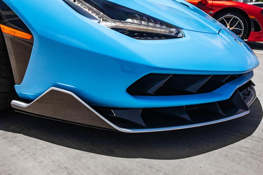 Lamborghini Centenario Roadster mau doc duoc rao ban anh 4
