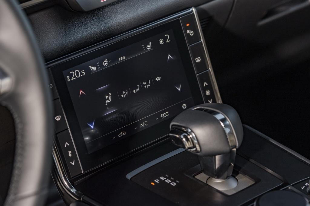 Mazda MX-30 ra mat tai Anh anh 7