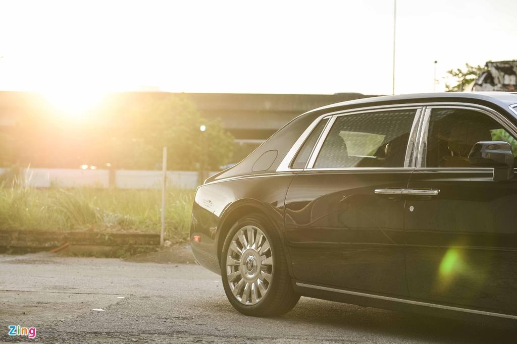 Rolls-Royce Phantom VIII tai Viet Nam anh 5