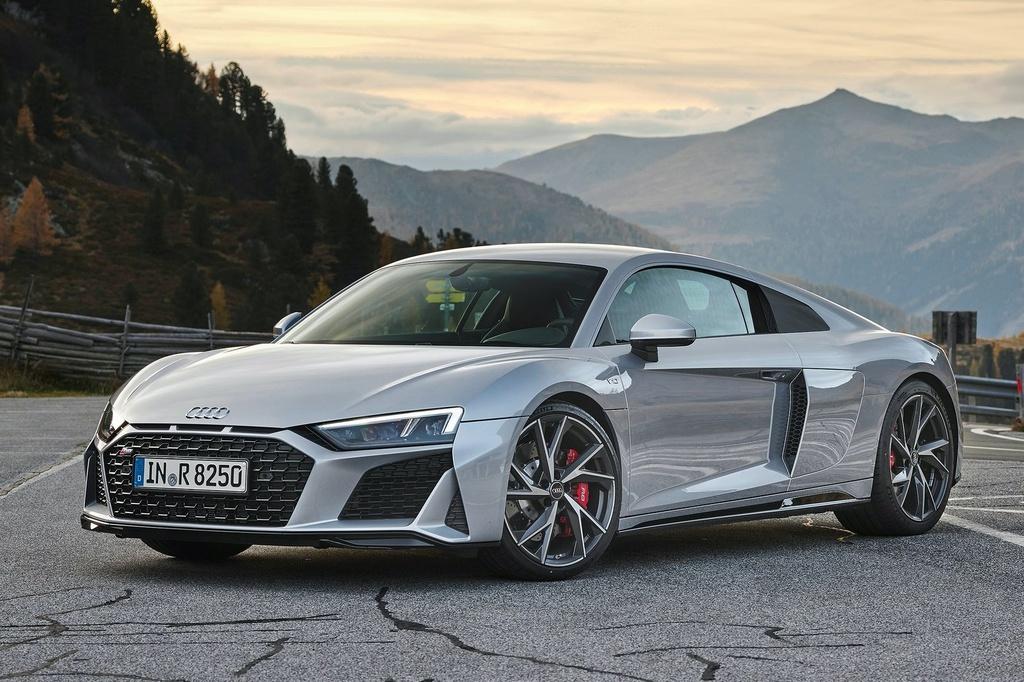 Audi R8 V10 RWD 2021 co gia tu 142.700 USD anh 1